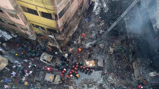 Ít nhất 81 người thiệt mạng trong vụ cháy chung cư tại Bangladesh ảnh 3