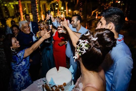 Cận cảnh đám cưới xa xỉ của tỷ phú Ấn Độ tại khách sạn 5 sao JW Marriott Phu Quoc Emerald Bay ảnh 8