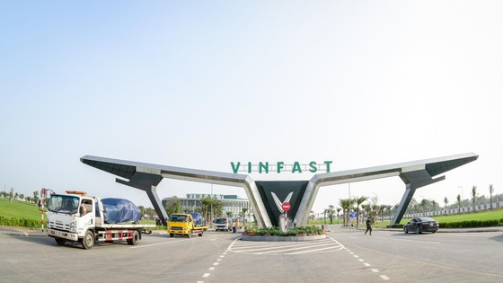 VinFast đưa 155 ô tô Lux ra nước ngoài kiểm thử ảnh 6