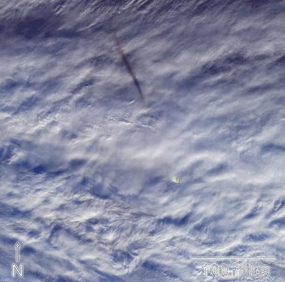 NASA công bố hình ảnh vụ nổ thiên thạch cực mạnh ảnh 1
