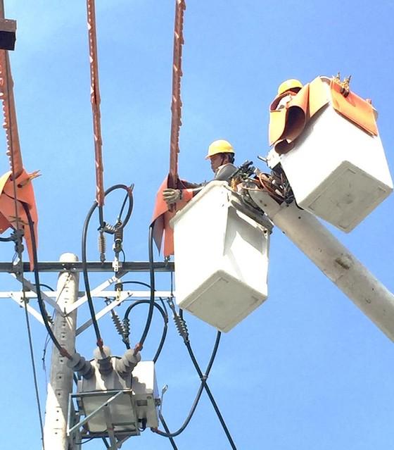 Cam kết đủ điện phục vụ trong mùa nắng nóng ảnh 1