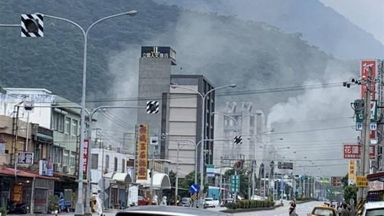 Nhiều tòa nhà bị rung lắc trong động đất mạnh 6,1 độ Richter tại Đài Loan (Trung Quốc) ảnh 6