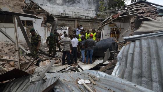 Gần 800 người thương vong trong các vụ nổ tại Sri Lanka ảnh 7