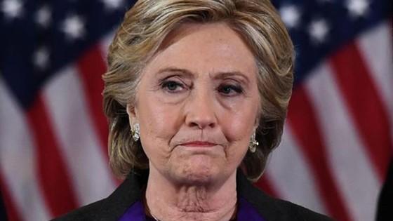 Cựu Ngoại trưởng Hillary Clinton kêu gọi Thượng viện thông qua dự luật an toàn súng đạn ảnh 1