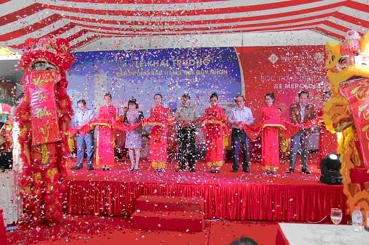 Hàng trăm khách tham dự khai trương TMS Quy Nhon ảnh 1