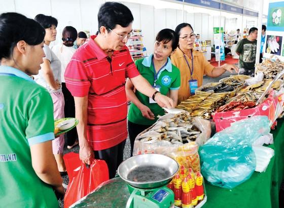 Doanh nghiệp Việt khó đưa hàng vào siêu thị ảnh 2