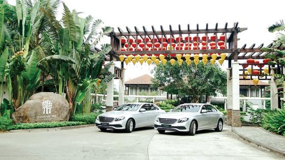 Mercedes-Benz bàn giao bộ đôi E 200 cho  khu phức hợp nghỉ dưỡng quốc tế Laguna Lăng Cô ảnh 2