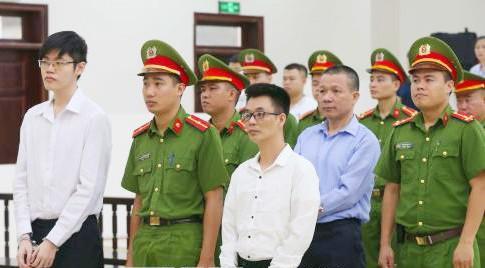Hơn 20 năm tù cho 3 bị cáo phạm tội tuyên truyền chống Nhà nước ảnh 1