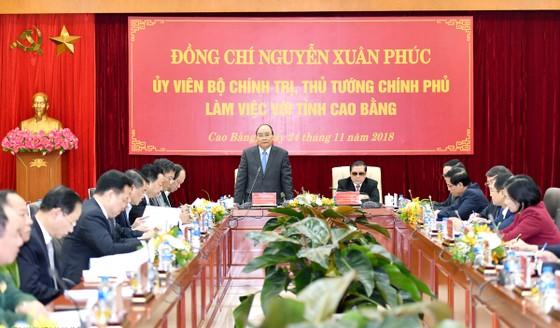 Thủ tướng Nguyễn Xuân Phúc thăm và làm việc tại Cao Bằng ảnh 1