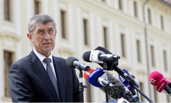 Thủ tướng Czech vượt qua cuộc bỏ phiếu bất tín nhiệm ảnh 1