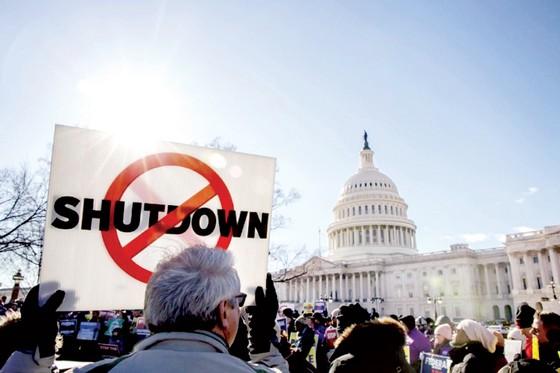 """Mỹ """"thiệt đơn thiệt kép"""" vì chính phủ đóng cửa một phần ảnh 1"""