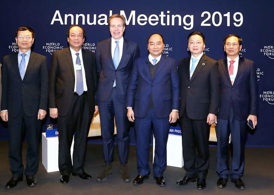 Lần đầu tiên tổ chức phiên Đối thoại Việt Nam và thế giới: Tiềm năng lớn để mở hướng phát triển mới ảnh 1