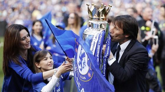 HLV Antonio Conte đã phá kỷ lục của HLV Mourinho khi dẫn dắt Chelsea. Ảnh: Reuters