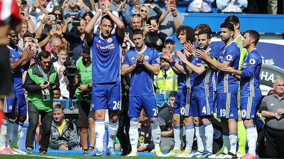 Thắng đậm Sunderland, Conte phá kỷ lục của Mourinho ảnh 3