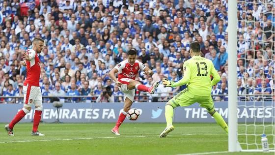 Arsenal đăng quang ngôi vô địch FA Cúp 2017 ảnh 2