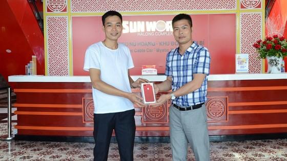 Lộ diện chủ nhân trúng iPhone 7plus đỏ dịp Sinh nhật Sun World Halong Complex ảnh 1