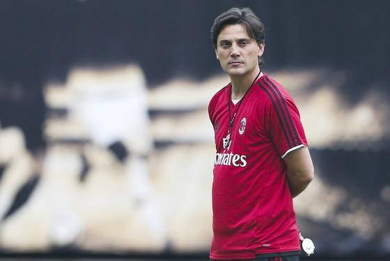 Vicenzo Montella đang đối mặt với áp lực lớn ở Milan.