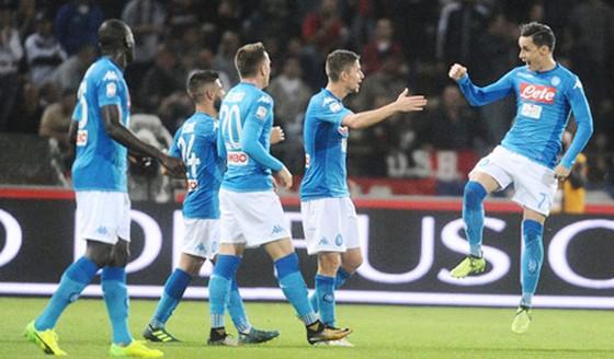 Phải đến phút 66, Napoli mới có bàn thắng vào lưới Bologna