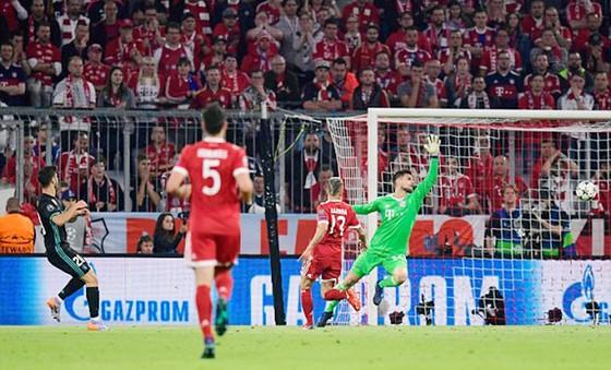 Real Madrid hạ Bayern Munich 2 - 1 ngay tại Allianz Arena ảnh 3