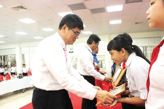 Vedan Việt Nam khen thưởng 690 con em CB-CNV đạt thành tích học tập giỏi, xuất sắc năm 2018 ảnh 1