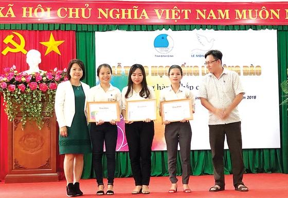 Quỹ Hỗ trợ giáo dục Lê Mộng Đào tiếp tục đồng hành cùng các SV-HS tại 5 tỉnh thành ảnh 3