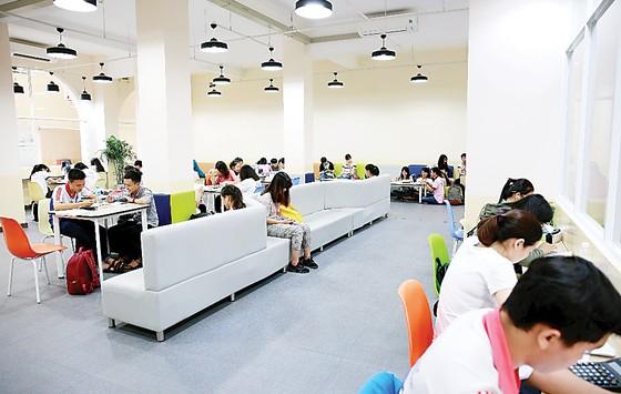 Rộng mở tương lai với đại học vừa làm vừa học tại Trường Đại học Kinh tế TP Hồ Chí Minh ảnh 1