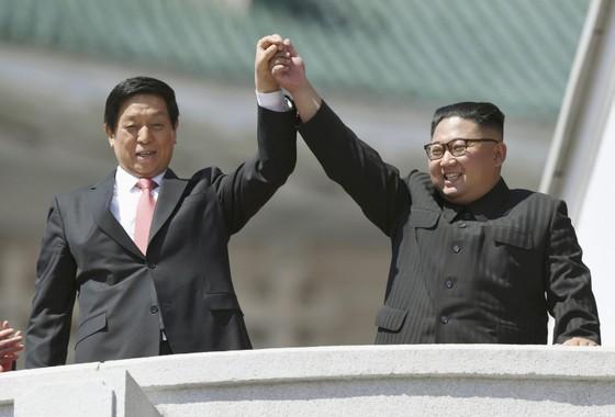 CHDCND Triều Tiên diễu binh không có tên lửa tầm xa mừng 70 năm Quốc khánh ảnh 2