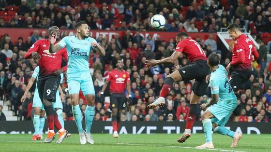 Manchester United nhọc nhằn hạ Newcastle bằng cú ngược dòng ngoạn mục ảnh 3
