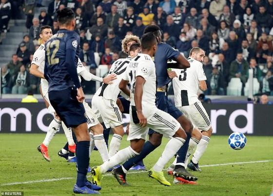 Man.United ngược dòng ngoạn mục đánh bại Juventus ảnh 2