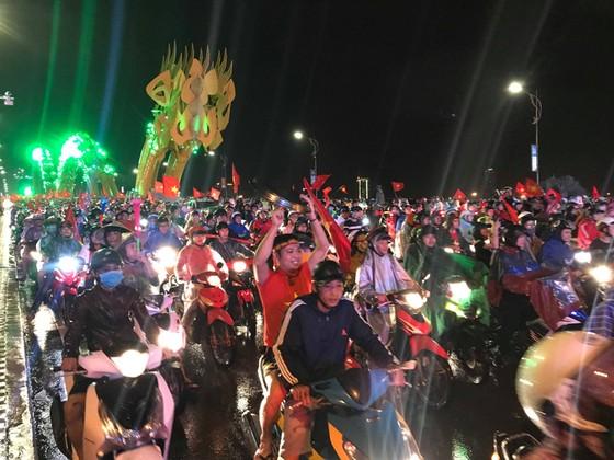 Một đêm thức trắng cùng chiến tích của tuyển Việt Nam ảnh 7