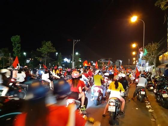Một đêm thức trắng cùng chiến tích của tuyển Việt Nam ảnh 12