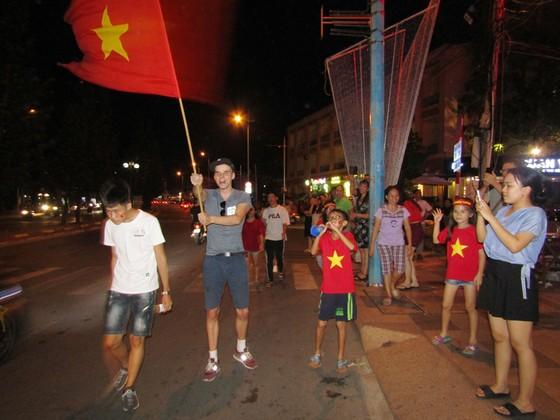 Một đêm thức trắng cùng chiến tích của tuyển Việt Nam ảnh 13