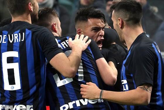 Các cầu thủ Inter Milan trong trận thắng Napoli.