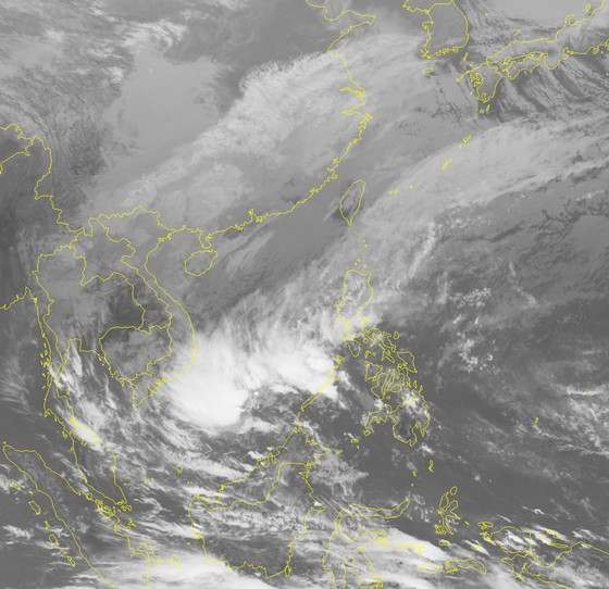 Áp thấp nhiệt đới suy yếu, khu vực Nam Biển Đông hình thành một vùng áp thấp khác ảnh 1