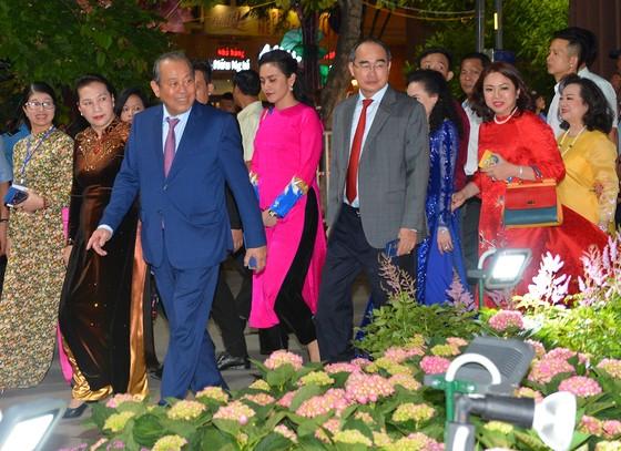 Tưng bừng khai mạc lễ hội đường hoa, đường sách Tết Kỷ Hợi 2019 ảnh 2