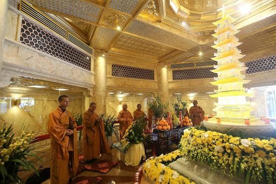 Khai hội xuân mở cổng trời Fansipan, du khách nô nức về chiêm bái xá lợi Phật trên đỉnh thiêng ảnh 5