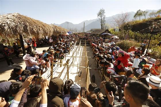 Khai hội xuân mở cổng trời Fansipan, du khách nô nức về chiêm bái xá lợi Phật trên đỉnh thiêng ảnh 9