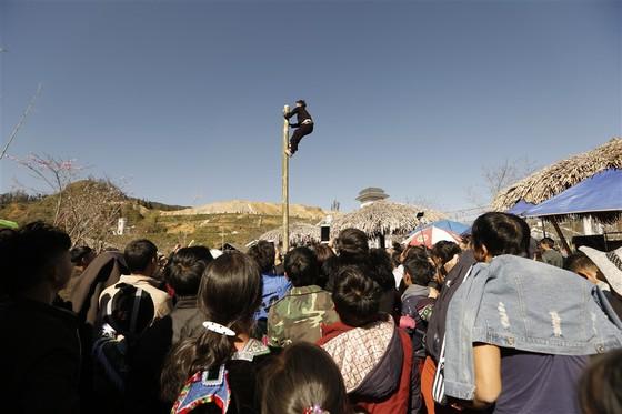 Khai hội xuân mở cổng trời Fansipan, du khách nô nức về chiêm bái xá lợi Phật trên đỉnh thiêng ảnh 10