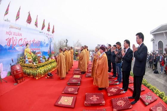 Khai hội xuân mở cổng trời Fansipan, du khách nô nức về chiêm bái xá lợi Phật trên đỉnh thiêng ảnh 3