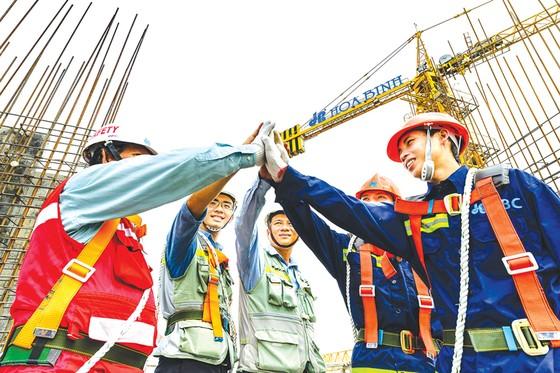 Nhà thầu Hòa Bình đón kỳ tích 75 triệu giờ công an toàn ảnh 2