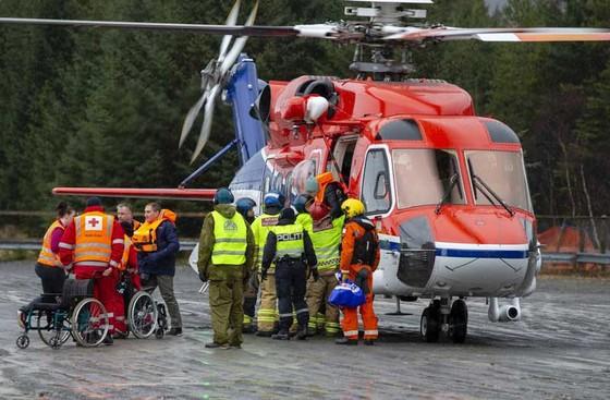 Giải cứu du thuyền chở 1.373 người bị hỏng máy ngoài khơi Na Uy  ảnh 2