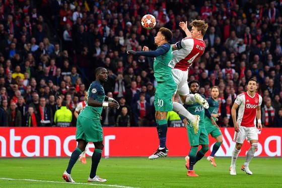 Người hùng Lucas Moura đưa Tottenham vào chung kết Champions League 2019 ảnh 1