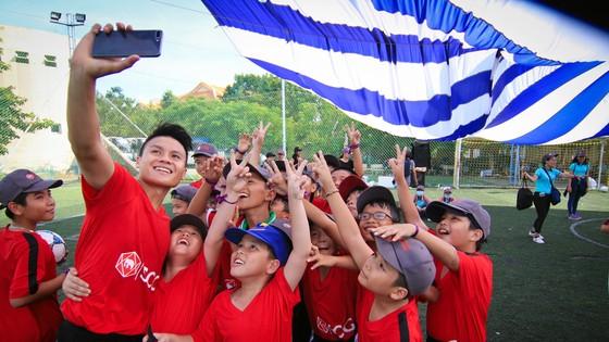 Truyền cảm hứng bóng đá đến giới trẻ Việt Nam ảnh 2