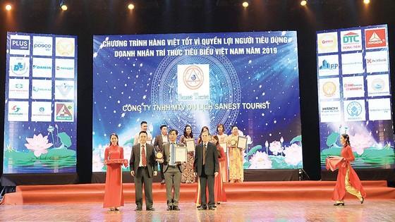 Sanest, Sanest Tourist và Sanatech được vinh danh Tốp 50 Sản phẩm, Dịch vụ vàng ảnh 2