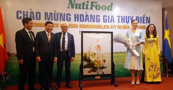 Công chúa Thụy Điển gặp gỡ tiếp xúc với NutiFood tại TP Hồ Chí Minh ảnh 1