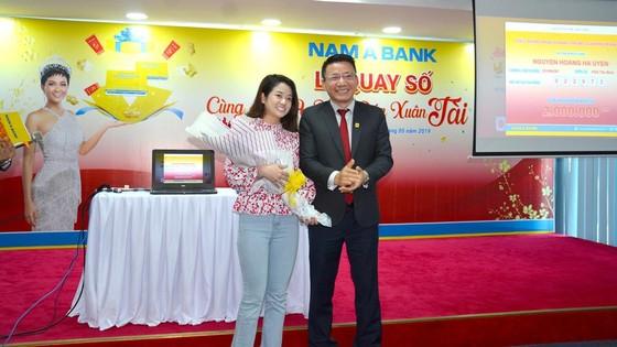 """Tìm được chủ nhân những giải thưởng giá trị trong chương trình """"Cùng Nam A Bank đón Xuân Tài Lộc"""" ảnh 2"""