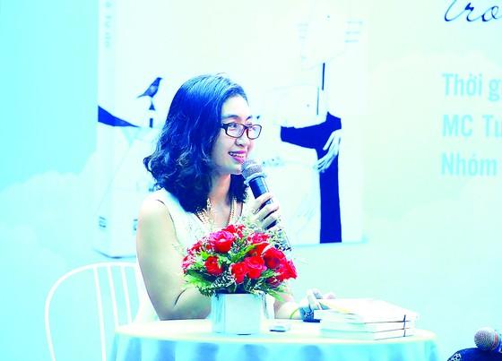 Nhà thơ Trần Lê Sơn Ý:  Trở lại và mang theo những bất ngờ  ảnh 1