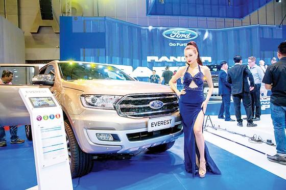 Ford Việt Nam thể hiện sức mạnh và di sản về thiết kế các dòng xe bán tải, đa dụng, ra mắt Ranger Raptor ảnh 4