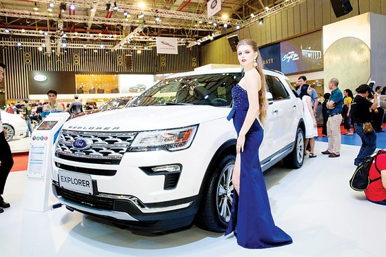 Ford Việt Nam thể hiện sức mạnh và di sản về thiết kế các dòng xe bán tải, đa dụng, ra mắt Ranger Raptor ảnh 3