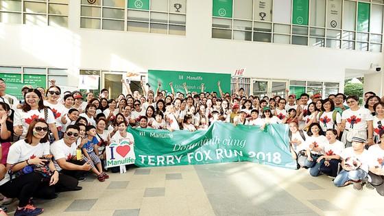 Gần 700 nhân viên và đại lý Manulife Việt Nam tham gia giải chạy Terry Fox 2018 ảnh 1